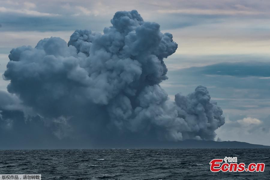 Mount Anak Krakatau volcano spews hot ash as seen from Sunda Strait, Lampung Province, Indonesia, Dec. 28, 2018. Indonesia on Thursday raised the alert level for the erupting Anak Krakatau volcano to the second-highest, and ordered all flights to steer clear, days after it triggered a tsunami that killed at least 430 people. (Photo/Agencies)