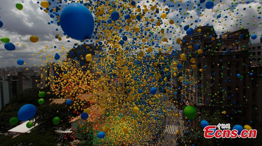 Balloons are released as part of year-end celebrations in Sao Paulo, Brazil, Dec 28, 2018.  (Photo/Agencies)