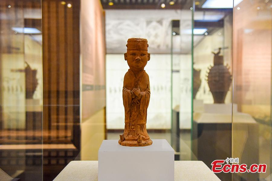 A museum of relics excavated from the Liujialing tomb in Guiyang County, Hunan Province opens to the public on Dec. 28, 2018. The tomb\'s tunnel and chamber were decorated with well-preserved, exquisite murals that reflected the life and burial customs long time ago. Findings in the tomb are of high historical and art values as they showed the migration of nobles from north to south after the Tang Dynasty (618-907). (Photo: China News Service/Ouyang Changhai)