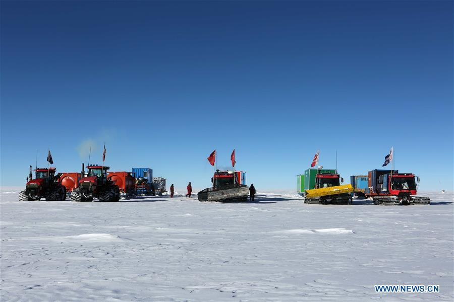 China\'s 35th Antarctic expedition team camps at a site about 1,100 km away from China\'s Zhongshan Station, Jan. 2, 2019. The expedition team Wednesday entered the area of the Dome Argus (Dome A), the peak of Antarctica\'s inland icecap. (Xinhua/Liu Shiping)