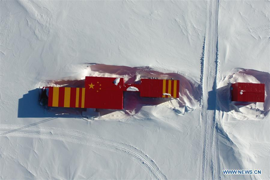 Aerial photo taken on Jan. 4, 2019 shows the main building of Kunlun Station in Antarctica. The 16 members on the Kunlun team of China\'s 35th Antarctic expedition arrived at Kunlun Station on Friday. (Xinhua/Liu Shiping)