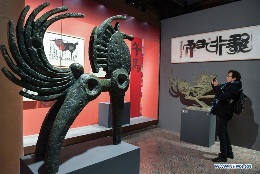 The Horse, the seventh in the 12-year cycle of Chinese zodiac sign, is displayed during Han Meilin\'s Chinese Zodiac Art Exhibition in Beijing, capital of China, Jan. 5, 2019. The Chinese Zodiac Art Exhibition, displaying the fine arts of Chinese artist Han Meilin, kicked off in the Palace Museum on Saturday and will last until Feb. 20, 2019. (Xinhua/Li He)