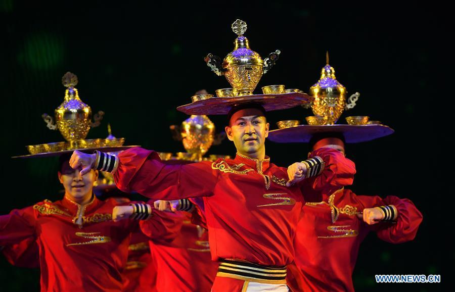 Dancers perform during the awarding ceremony of the Lotus Awards, China\'s top award for dancing art, in Haikou, capital of south China\'s Hainan Province, Jan. 6, 2019. (Xinhua/Guo Cheng)