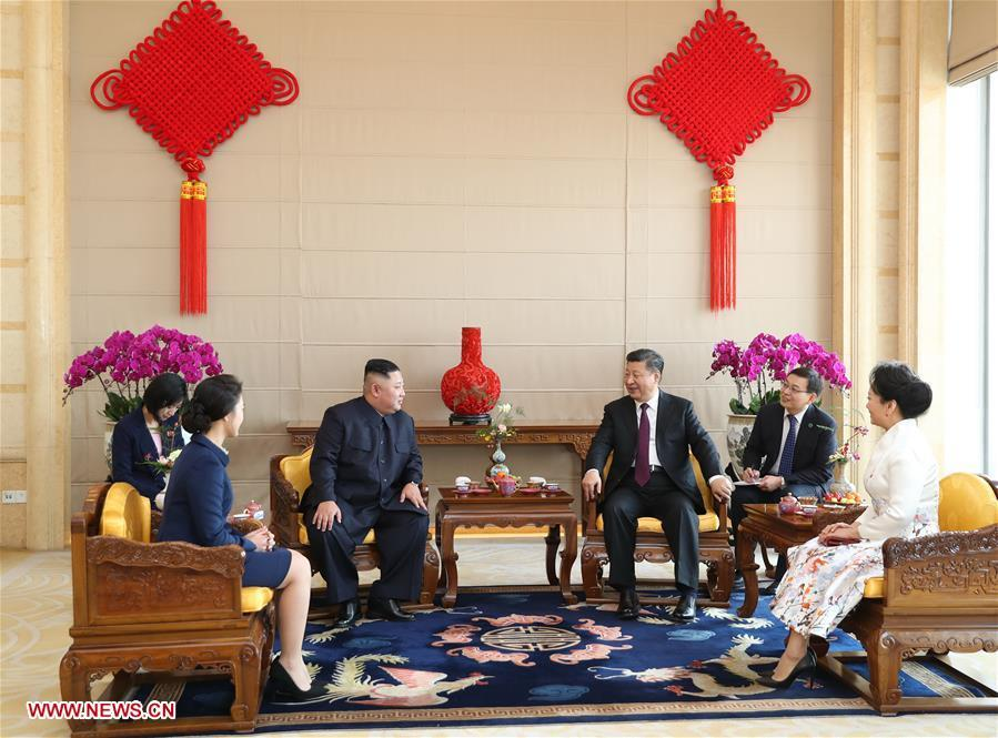 Xi Jinping, general secretary of the Central Committee of the Communist Party of China and Chinese president, holds a welcoming ceremony for Kim Jong Un, chairman of the Workers\' Party of Korea and chairman of the State Affairs Commission of the Democratic People\'s Republic of Korea, before their talks at the Great Hall of the People in Beijing, capital of China, Jan. 8, 2019. Xi Jinping on Tuesday held talks with Kim Jong Un, who arrived in Beijing on the same day for a visit to China. (Xinhua/Shen Hong)