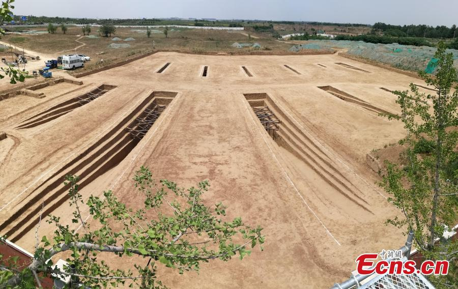 The Shaanxi Provincial Institute of Archaeology said excavations in 2017 and 2018 at the site's 12 tombs uncovered relics from the Sixteen Kingdoms (304 to 439) period, including remains of objects used in worship. (Photo: China News Service/Zhong Xin)