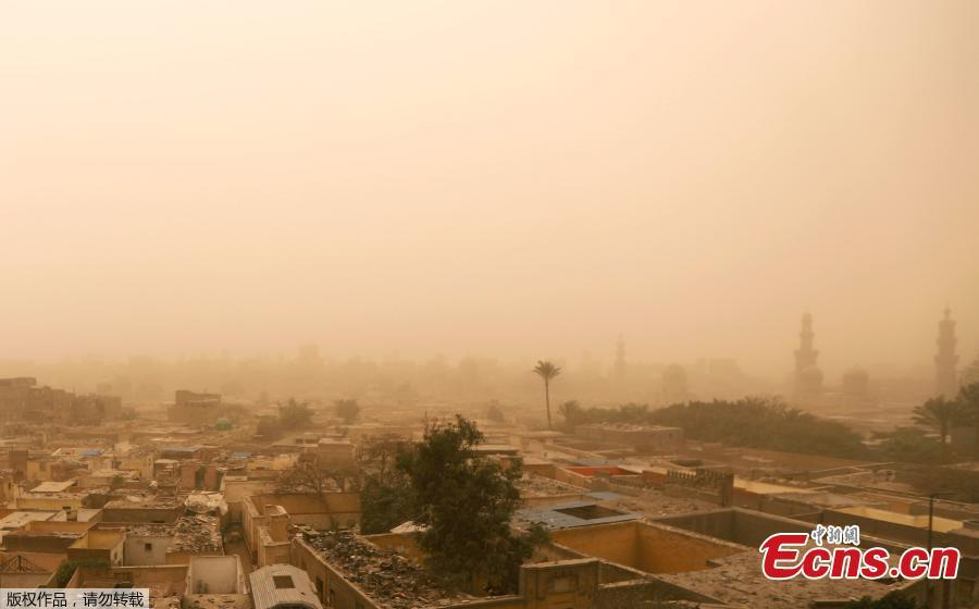 General view of the City of the Dead, known as al-Arafa, during a sandstorm in Cairo, Egypt, Jan. 16, 2019. Egypt\'s capital Cairo and some of its port cities were hit by a severe sandstorm, with strong winds and heavy dust forcing the closure of several ports. (Photo/Agencies)