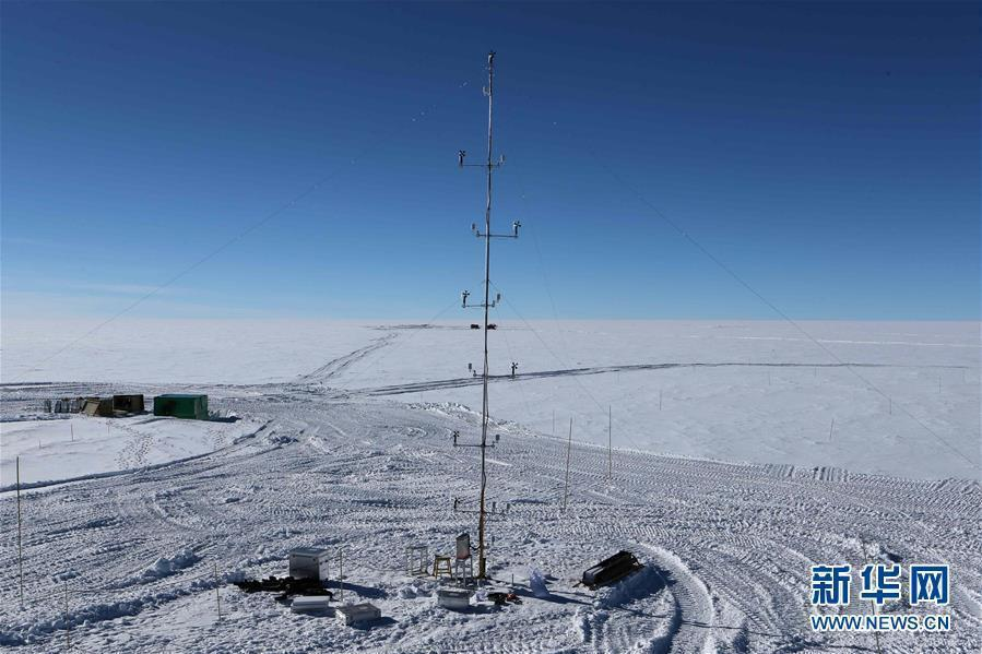 A view of the newly installed meteorological observation tower for China\'s research station Antarctica, Jan. 16, 2019. (Photo/Xinhua)