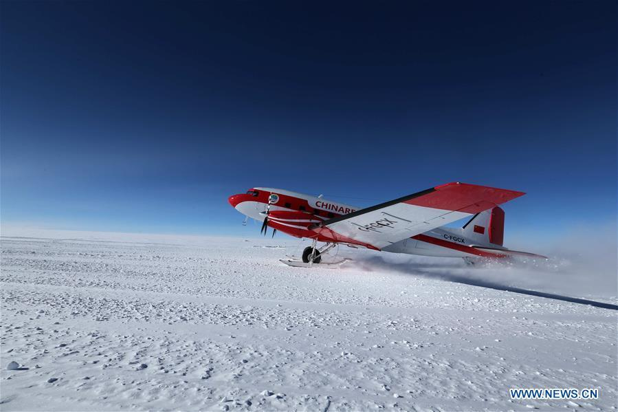 China\'s first fixed-wing aircraft for polar flight Snow Eagle 601 takes off at the Kunlun Station at about 4,000 meters above the sea level near Dome A, Jan. 18, 2019. Snow Eagle 601 landed successfully at the airport of Kunlun Station on Friday, the third time the aircraft landed successfully in the airport since its use. (Xinhua/Liu Shiping)