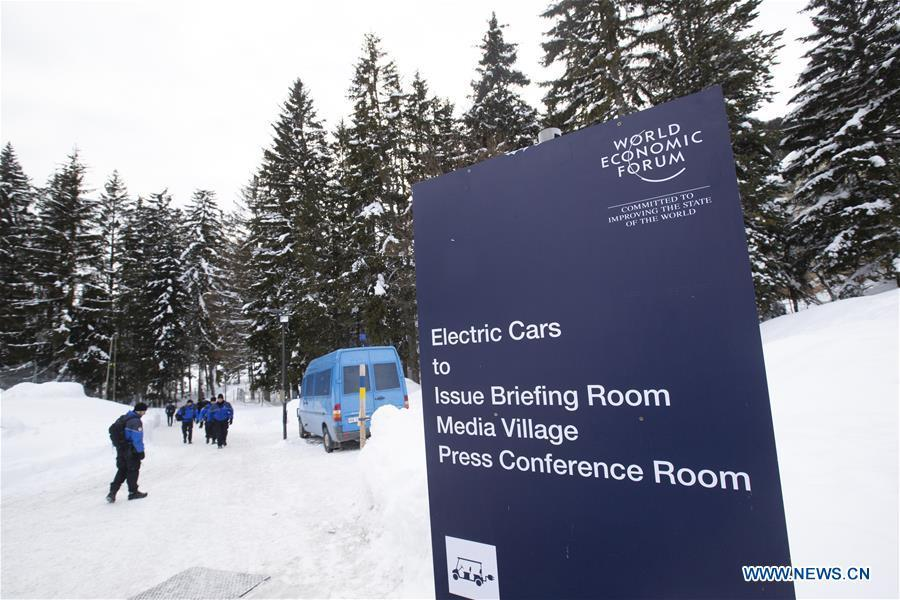 Security personnel patrol near Davos Congress Center, which will host the upcoming 49th Annual Meeting of the World Economic Forum (WEF), in Davos, Switzerland, Jan. 21, 2019. The WEF Annual Meeting will kick off in Davos on Tuesday. (Xinhua/Xu Jinquan)