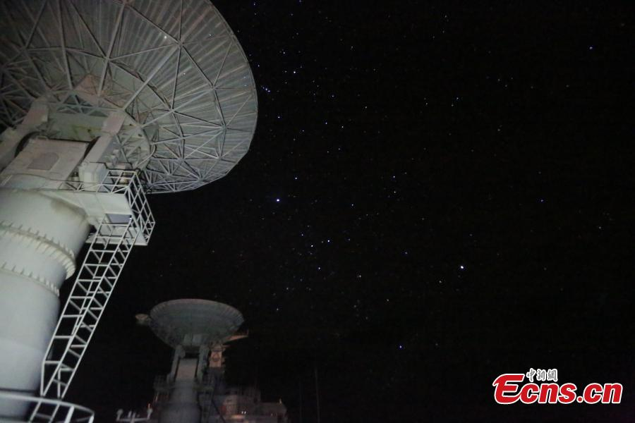A night view of the sky from onboard Chinese space tracking ship Yuanwang 7 at sea. The ship is now on its way back to China after completing maritime space monitoring and communication missions. (Photo: China News Service/Han Shuai)