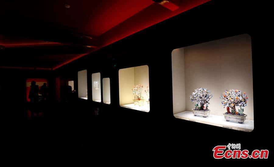 A view of a new exhibition at the Treasure Gallery in the Palace Museum, Beijing, Jan. 28, 2019. The Treasure Gallery is a series of exhibition spaces in the northeast of the museum known as the Palace of Tranquil Longevity Sector (Ningshou gong qu). The new exhibition consists of four gallery rooms displaying jewels, gold and silver, jade and bonsai relics. It will open before the Spring Festival, China's Lunar New Year, on February 5. (Photo: China News Service/Du Yang)