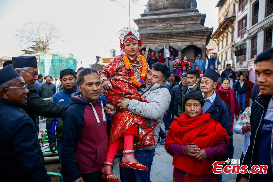 A ceremony was held to keep the wooden pillars to reconstruct the Kasthamandap temple, which was destroyed during the 2015 earthquake. Kasthamandap (Kastha: wood, mandap: pavilion) temple is one of the oldest and historical building in Kathmandu. (Photo: China News Service/Pu Ladan)