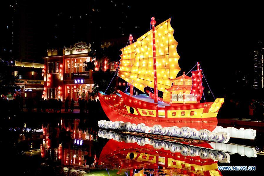 A large festive lantern is pictured at the Wudianshi historical community in Jinjiang, southeast China\'s Fujian Province, Feb. 17, 2019. More than 3,000 festive lanterns have been set in three dedicated zones in Jinjiang ahead of the Lantern Festival, which falls on Feb. 19 this year and marks the end of the Chinese Lunar New Year celebrations. (Xinhua/Jiang Kehong)