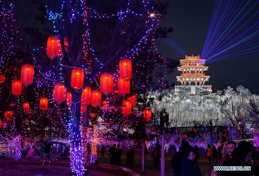 People visit a lantern fair in the Nanhu Park in Tangshan, north China\'s Hebei Province, Feb. 15, 2019. (Xinhua/Yang Shiyao)