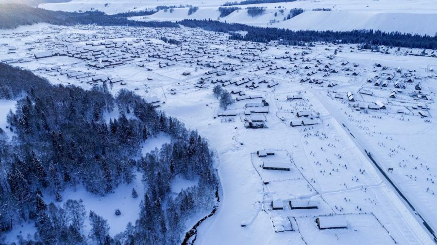 Aerial photograph shows the snowscape in Hemu, Xinjiang. (Photo/Xinhua)