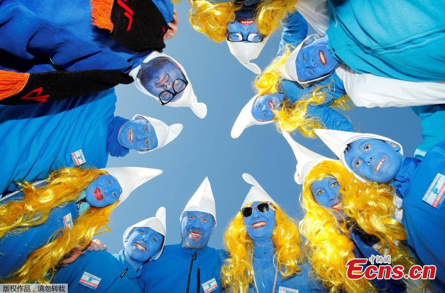 Participants dressed as smurfs pose during an attempt to hold the world\'s largest meeting of smurfs in a bid to outdo the previous record of 2,510 mostly student participants in Wales in 2009 in Lauchringen, Germany, Feb. 16, 2019. (Photo/Agencies)