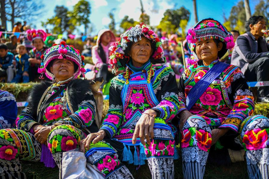 Villagers watch the activities of festival on Feb 19, 2019. (Photo/Xinhua)
