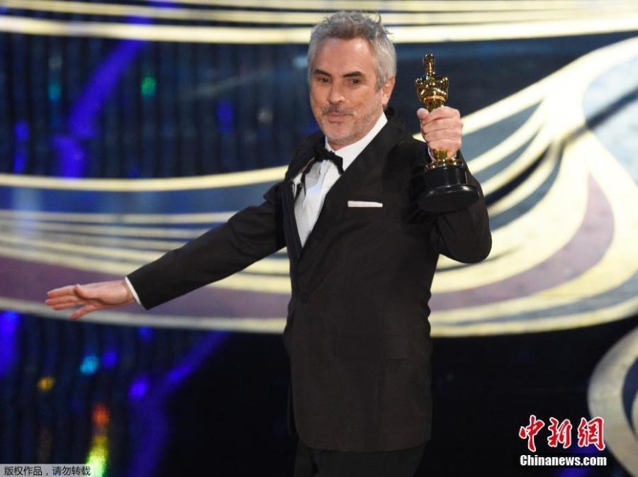 Alfonso Cuaron makes history with Best Cinematography Oscar for \
