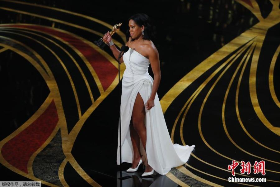 Best Supporting Actress nominee for If Beale Street Could Talk Regina King accepts her Oscar during the 91st Annual Academy Awards at the Dolby Theatre in Hollywood, California on Feb. 24, 2019.  (Photo/Agencies)