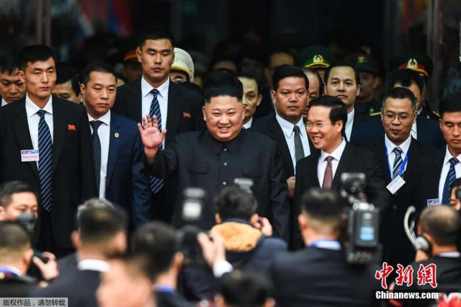 DPRK\'s top leader Kim Jong-un waves as he arrives at the Dong Dang railway station, Vietnam, at the border with China, Feb. 26, 2019. (Photo/Agencies)