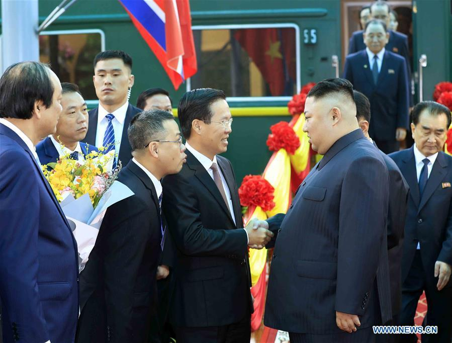 In this photo provided by Vietnam News Agency, top leader of the Democratic People\'s Republic of Korea (DPRK) Kim Jong Un (R F) arrives at Dong Dang railway station in Lang Son Province, Vietnam, on Feb. 26, 2019. Kim arrived in Vietnam Tuesday morning by train for his first official visit to the country and the second summit with U.S. President Donald Trump, Vietnam News Agency reported. (Xinhua)