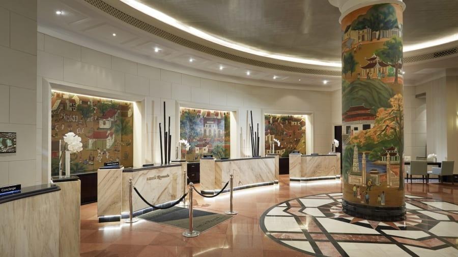 Marble and paintings in rich color dominate the decor of the lobby of the Melia Hotel Hanoi. (Photo provided to chinadaily.com.cn)
