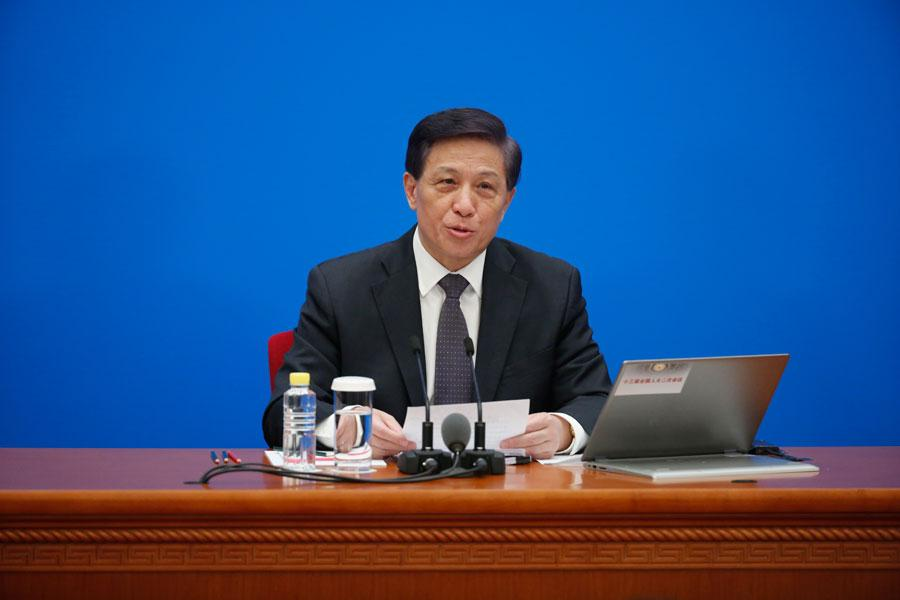 Zhang Yesui, spokesman for the second session of the 13th National People\'s Congress.  (Photo/chinadaily.com.cn)