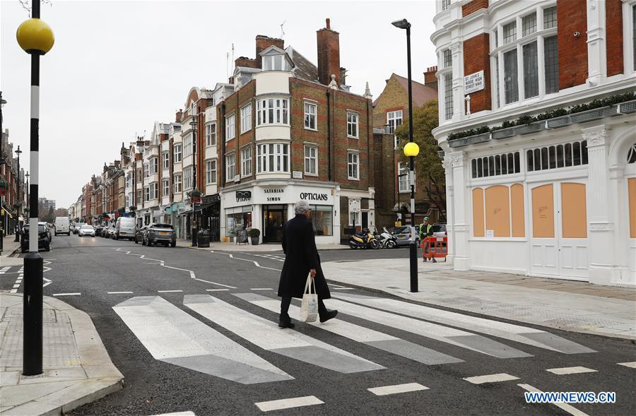 A 3D zebra crossing is seen in St. John\'s Wood High Street in London, Britain, on March 1, 2019. According to BBC, the UK\'s first 3D zebra crossing has been painted on a north-west London road in a bid to slow down the traffic. The optical illusion, which creates a floating effect, has been introduced in St John\'s Wood by Westminster City Council as part of a 12-month trial. (Xinhua/Han Yan)