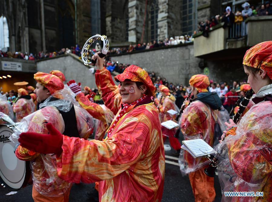 Revelers take part in the Rose Monday carnival parade in Cologne, Germany, on March 4, 2019. The Rose Monday parade marks the high point of Cologne\'s annual carnival. (Xinhua/Lu Yang)