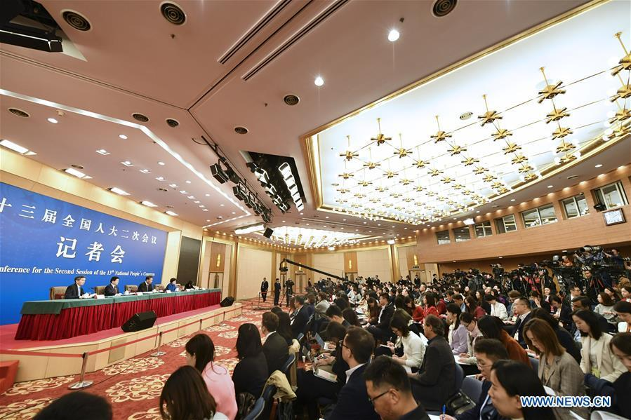 China\'s Minister of Finance Liu Kun, and vice ministers Cheng Lihua and Liu Wei attend a press conference on the country\'s fiscal and tax reforms and fiscal work for the second session of the 13th National People\'s Congress in Beijing, capital of China, March 7, 2019. (Xinhua/Li Ran)