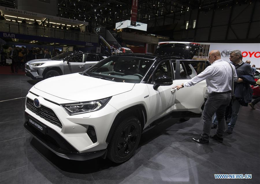 Photo taken on March 6, 2019 shows the new Toyota RAV4 Hybrid at the 89th Geneva International Motor Show in Geneva, Switzerland. Electric cars and hybrid cars are highlights at this year\'s Geneva International Motor Show, which will open to the public from March 7 to 17. (Xinhua/Xu Jinquan)