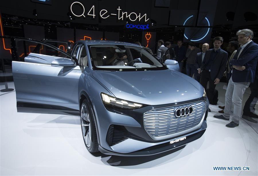 Photo taken on March 6, 2019 shows the Audi Q4 e-tron concept at the 89th Geneva International Motor Show in Geneva, Switzerland. Electric cars and hybrid cars are highlights at this year\'s Geneva International Motor Show, which will open to the public from March 7 to 17. (Xinhua/Xu Jinquan)