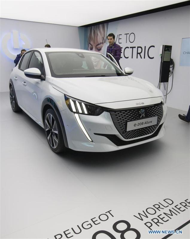 Photo taken on March 6, 2019 shows the New Peugeot e-208 Allure at the 89th Geneva International Motor Show in Geneva, Switzerland. Electric cars and hybrid cars are highlights at this year\'s Geneva International Motor Show, which will open to the public from March 7 to 17. (Xinhua/Xu Jinquan)
