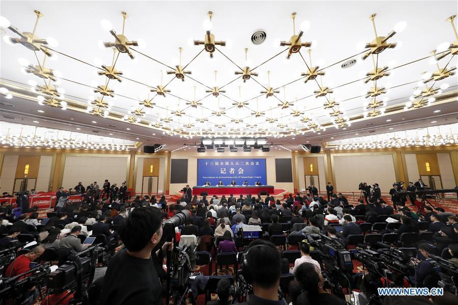 China\'s Minister of Finance Liu Kun, and vice ministers Cheng Lihua and Liu Wei attend a press conference on the country\'s fiscal and tax reforms and fiscal work for the second session of the 13th National People\'s Congress in Beijing, capital of China, March 7, 2019. (Xinhua/Shen Bohan)