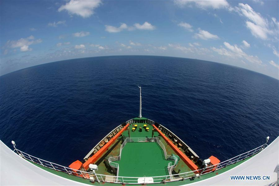 China\'s research icebreaker Xuelong sails on the South China Sea, March 6, 2019. China\'s research icebreaker Xuelong, carrying members of China\'s 35th research mission to Antarctica, sailed on the South China Sea on Wednesday and is expected to return to Shanghai six days later. (Xinhua/Liu Shiping)