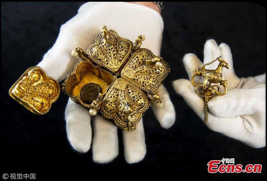 Tipu Sultan\'s ornate solid gold betel nut casket which amazingly still contains 220 year old nuts. (Photo/VCG)
