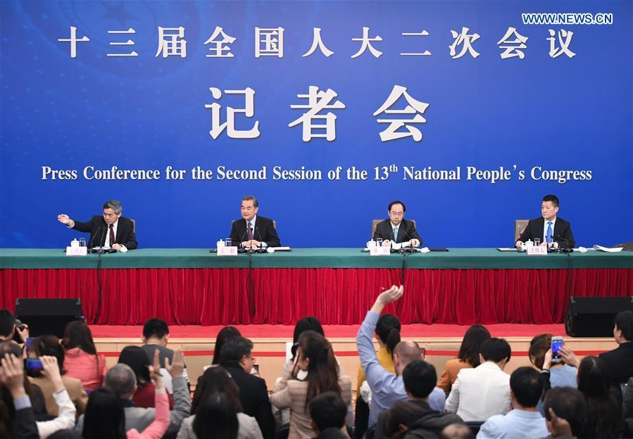 Chinese State Councilor and Foreign Minister Wang Yi(2nd L) attends a press conference on China\'s foreign policy and relations on the sidelines of the second session of the 13th National People\'s Congress in Beijing, capital of China, March 8, 2019. (Xinhua/Chen Yehua)