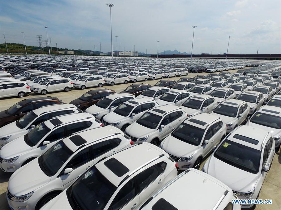 Photo taken on June 28, 2016 shows Baojun vehicles at a base of SAIC-GM-Wuling, a joint venture between GM, SAIC Motor and Liuzhou Wuling Motors, in Liuzhou, south China\'s Guangxi Zhuang Autonomous Region. (Xinhua/Li Bin)