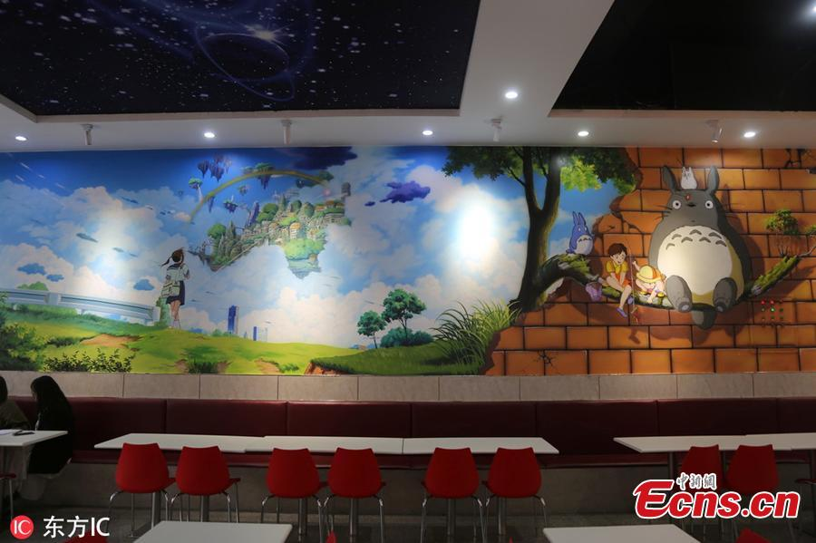 Photo taken on March 13, 2019 shows a cartoon-themed restaurant at a university in Zhengzhou City, Henan Province. The walls and pillars of the restaurant are all decorated with popular cartoon characters. (Photo/IC)