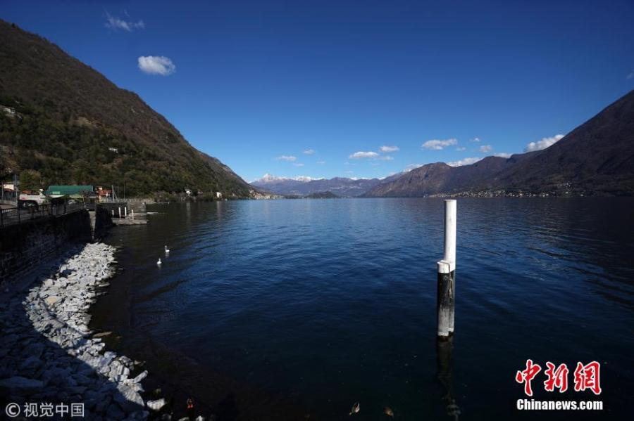 Photo taken on March 19, 2019 shows how the water level in Lake Como has declined due to climate change. Now 21 percent lower than usual, the lake popular with tourists is short about 95 million cubic meters of water.(Photo/VCG)