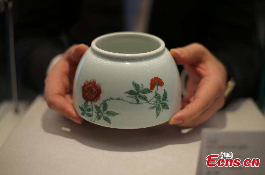 An item on display ahead of the 53th China Guardian Quarterly Auctions in Beijing, March 20, 2019. China Guardian said more than 4,000 items, including Chinese paintings and calligraphy, rare books, letters and manuscripts, pieces of porcelain and jade, and other works of art, will be put up for auction from March 23 to 25. (Photo: China News Service/Yang Kejia)