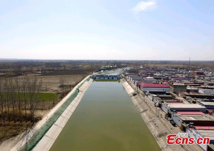A water conservancy project to divert water from the Yellow River to Baiyangdian Lake in Xiongan New Area, Hebei Province, March 27, 2019. In April 2017, China announced the establishment of the Xiongan New Area, spanning three counties in Hebei Province about 100 km southwest of Beijing. Many of Beijing\'s non-capital functions, as well as some of its population, will be relocated to Xiongan. (Photo: China News Service/Han Bing)