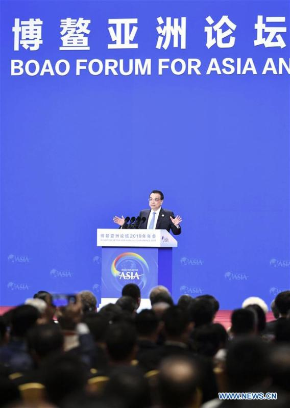 Chinese Premier Li Keqiang delivers a keynote speech at the opening plenary of the Boao Forum for Asia annual conference in Boao, south China\'s Hainan Province, March 28, 2019. (Xinhua/Yin Bogu)