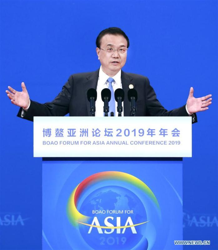 Chinese Premier Li Keqiang delivers a keynote speech at the opening plenary of the Boao Forum for Asia annual conference in Boao, south China\'s Hainan Province, March 28, 2019. (Xinhua/Pang Xinglei)