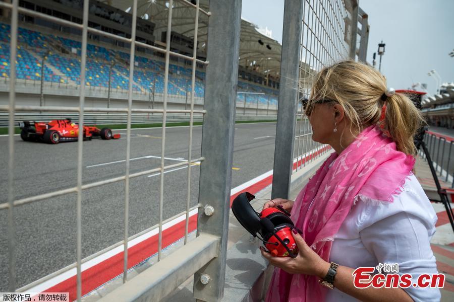 Corinna Schumacher watches the first testing of her son, German Formula 2 driver Mick Schumacher, for Formula One team Scuderia Ferrari at the Sakhir circuit near Manama, Bahrain, Apr. 2, 2019.  (Photo/Agencies)