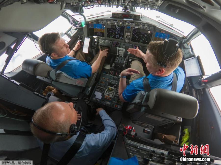 Boeing Chairman, President and CEO Dennis Muilenburg joined Boeing test pilots aboard a 737 MAX 7 flight for a demonstration of the updated MCAS software, April 3, 2019. (Photo/Agencies)