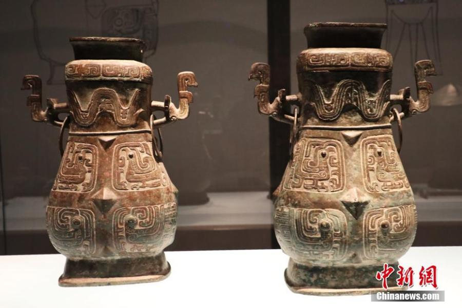 Displays at the relics museum of the Rui state in Liangdai Village in Hancheng City, Shaanxi Province, April 3, 2019. The museum is built upon the tomb complex of the Rui state during ancient China\'s Zhou Dynasty (1046 BC - 256 BC). Inscriptions on bronze vessels from the tombs indicated the occupants were the monarchs of the Rui state and their spouses. (Photo: China News Service/Zhao Hao)