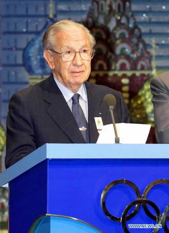 File photo taken on July 13, 2001 shows Juan Antonio Samaranch, former president of the International Olympic Committee (IOC), announcing that Beijing, capital of China, won the right to host the 2008 Olympics during a meeting in Moscow, Russia. From sending athletes to Helsinki Summer Olympic Games for the very first time in 1952 to winning the bid to host 2022 Winter Olympic Games in 2015, the People\'s Republic of China went through a remarkable history of sports, including successfully hosting the 2008 Summer Olympic Games and preparing for the upcoming 2022 Winter Olympic Games. (Xinhua)