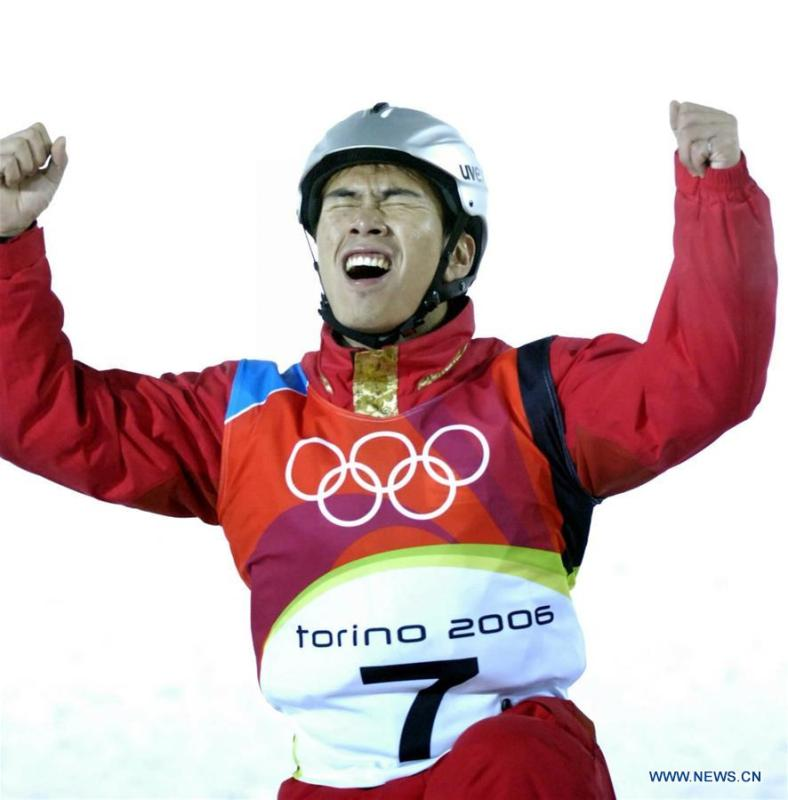 File photo taken on Feb. 23, 2006 shows that China\'s Han Xiaopeng jubilates after his competition for men\'s aerials final at Turin Olympic Winter Games in Italy. Han Xiaopeng claimed the title and won the China\'s first-ever Winter Olympic gold medal in the snow sports. From sending athletes to Helsinki Summer Olympic Games for the very first time in 1952 to winning the bid to host 2022 Winter Olympic Games in 2015, the People\'s Republic of China went through a remarkable history of sports, including successfully hosting the 2008 Summer Olympic Games and preparing for the upcoming 2022 Winter Olympic Games. (Xinhua/Wang Changshan)