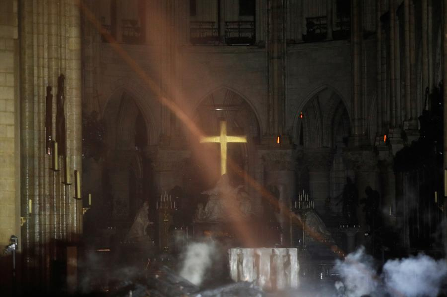 Photo shows the altar of Notre-Dame following the fire, April. 15, 2019. A blaze broke out on Monday afternoon at the Notre Dame Cathedral in central Paris. (Photo/Agencies)